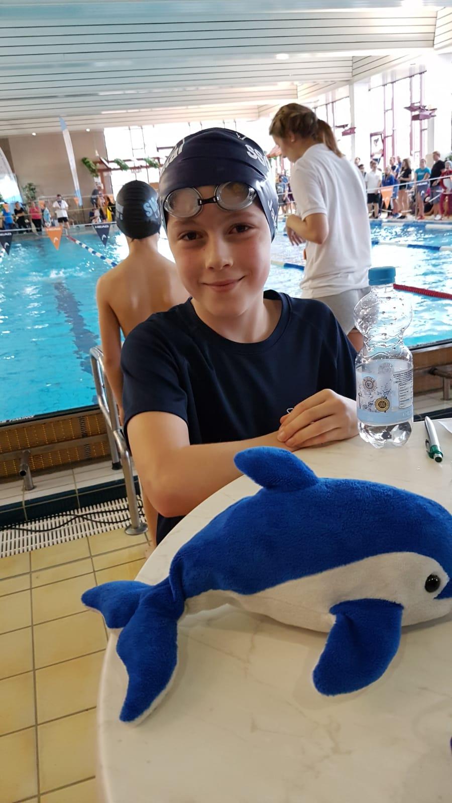 Jakob Knöpfel schwimmt erfolgreich bei den Hessischen Meisterschaften